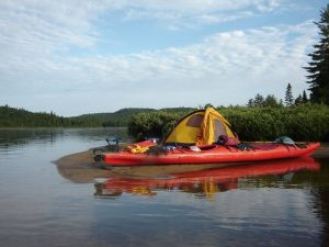 Kayaking Tips – How to Select a Kayak for Camping